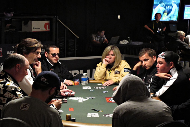 Dynamic Poker Jackpots