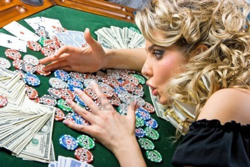 Tips for Earning Money Through Free Poker Tournaments